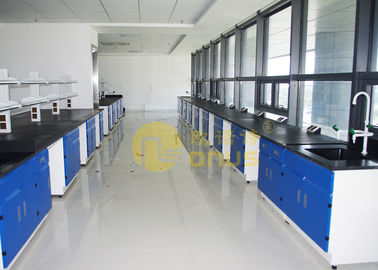Laboratorium Epoxy Resin Worktops Silau / Matte Finish Dengan Rak Reagen